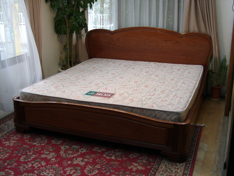 King Size Bed Frame - Page 2 of 10 - DIY Woodworking Projects